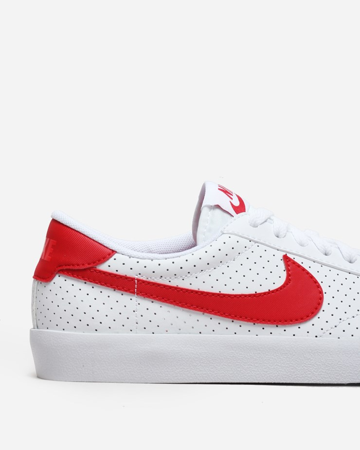 online store d68f7 21295 Nike Sportswear Tennis Classic AC White University Red
