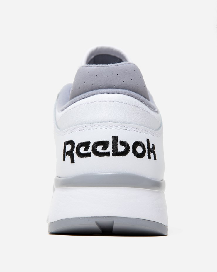 849825111e7 Reebok CL Leather II CN3899