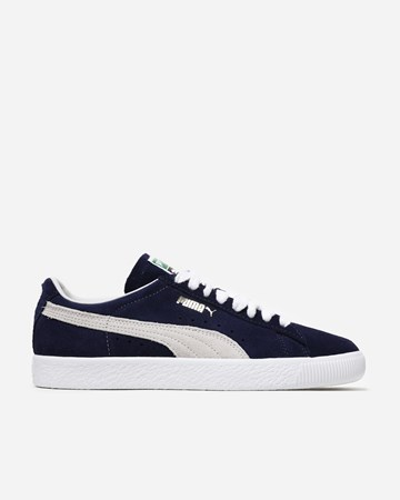 83e4f2b11ce3 Puma - Supplying girls with sneakers - Naked