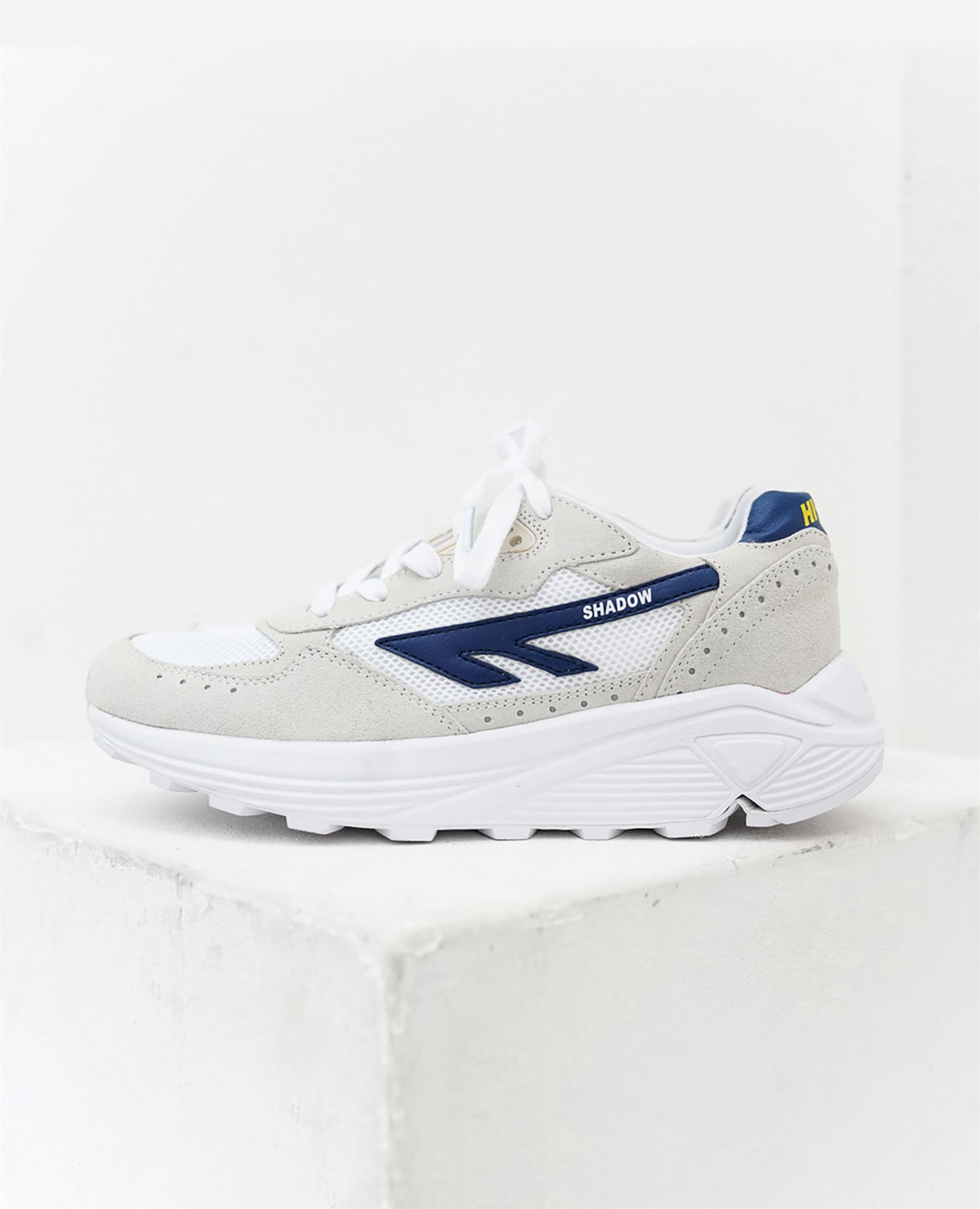 7bc04c8764d4 Naked - Supplying girls with sneakers