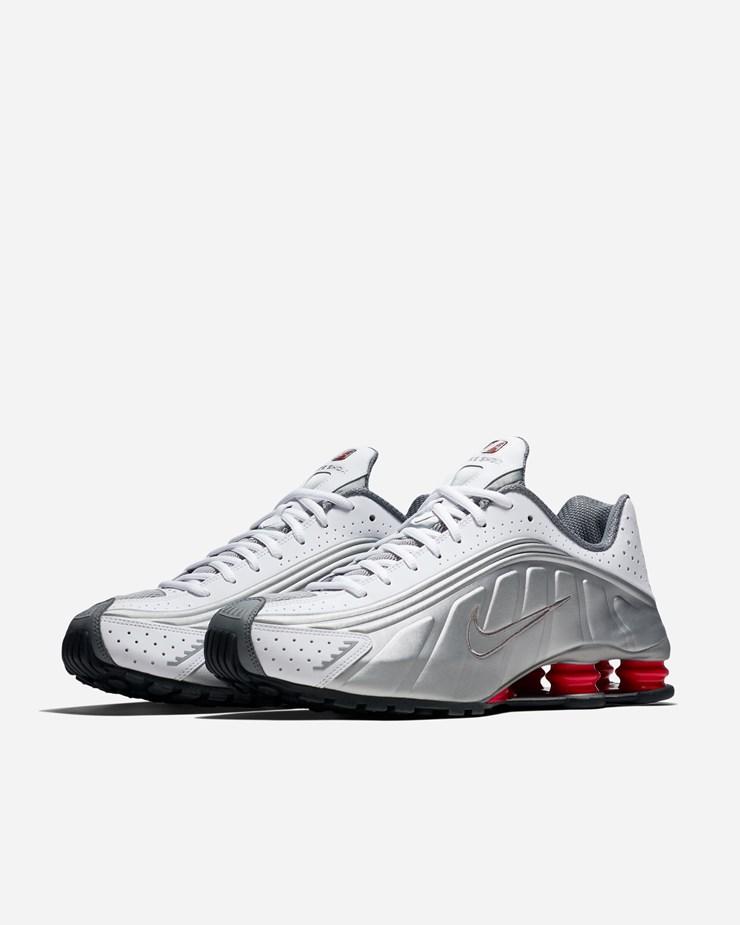 meet 06030 05155 Nike Sportswear Shox R4 BV1111 100   White Metallic Silver ...