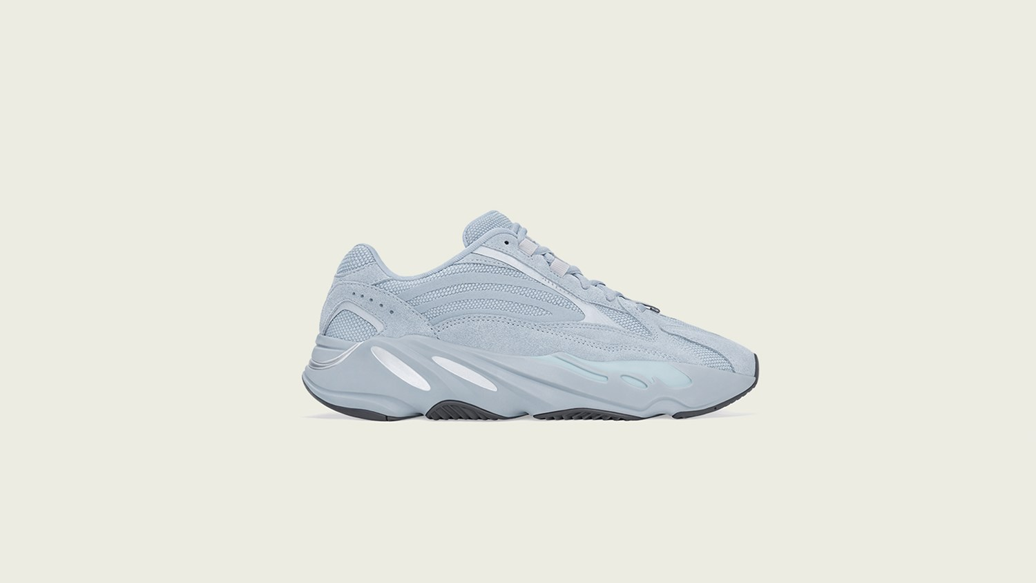 pretty nice d0f08 3687b Naked - Supplying girls with sneakers