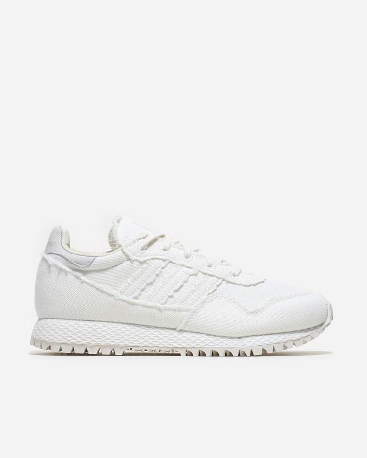 8b20aedada67c1 Adidas Originals Daniel Arsham x Adidas Originals New York Chalk White
